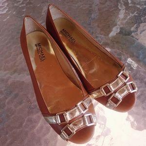 Michael Kors Flats Peep Toe Gold Accent Size 7